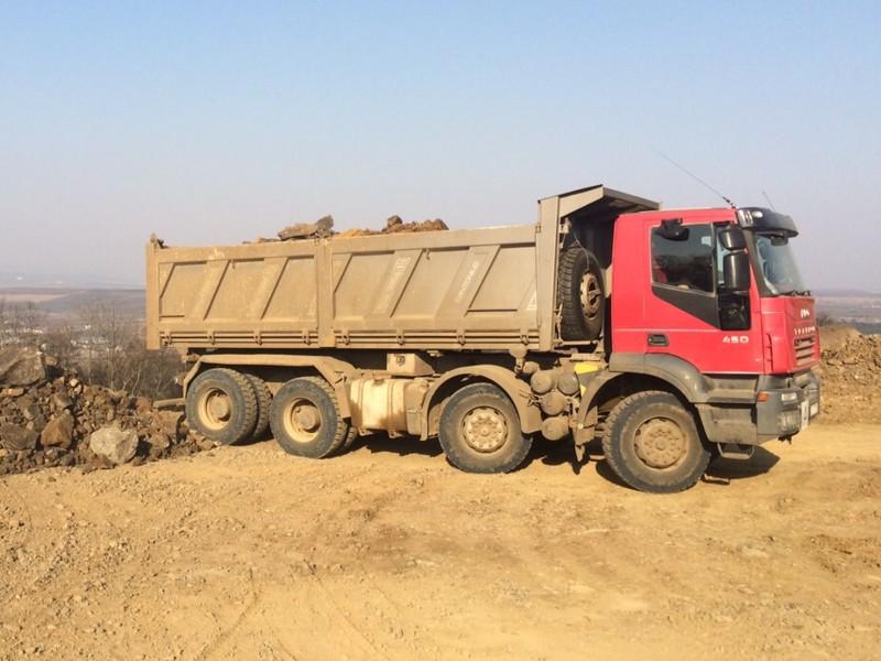 Doprava zeminy a sypkých materiálů - Remirent